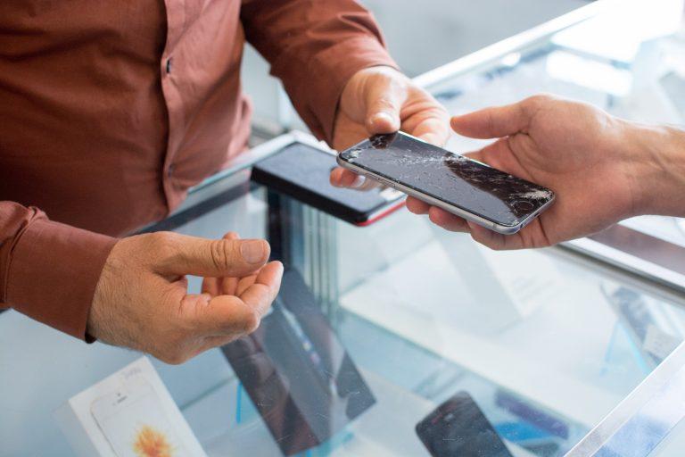 Workshop Impara a riparare il tuo cellulare!
